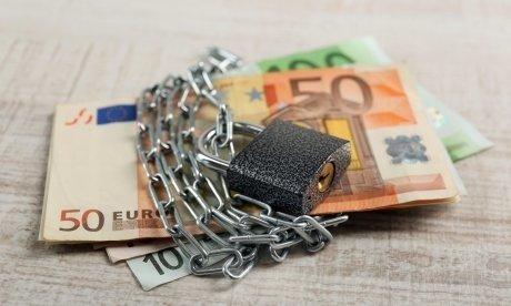 Что делать, если у вас есть кредит в закрытом банке: платить или не платить?