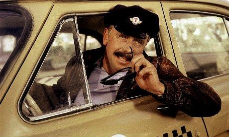 Как устроиться на работу водителем такси: лучшие варианты